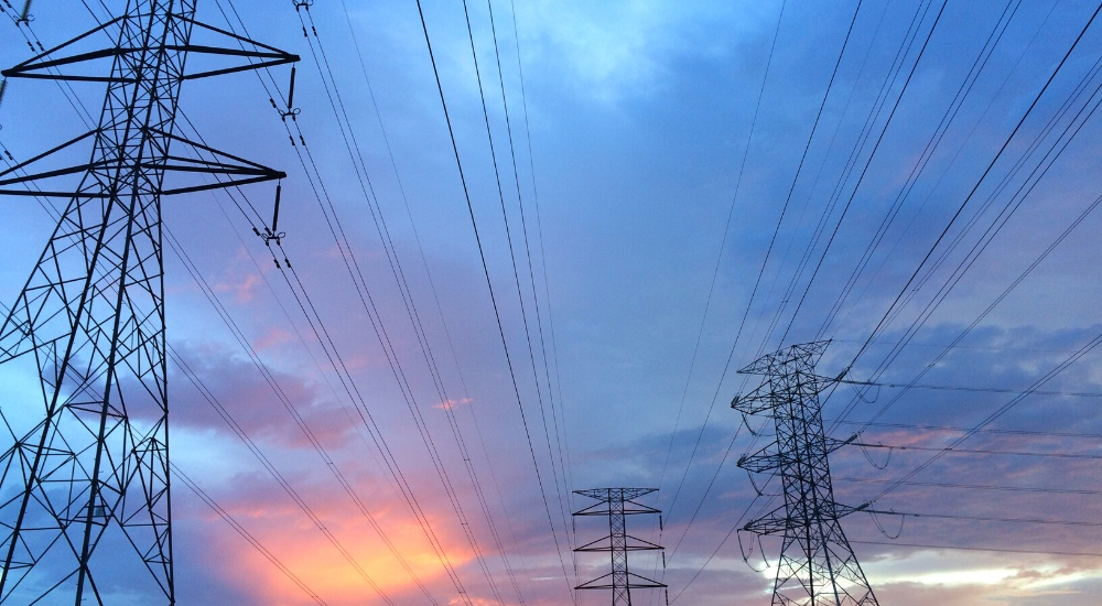 Desabasto eléctrico pone 'freno' a proyectos industriales: AMPIP